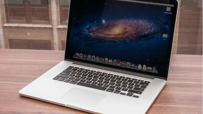 Продам MacBook недорого